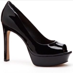 VINCE CAMUTO Bette Patent Leather Heels Size 8.5